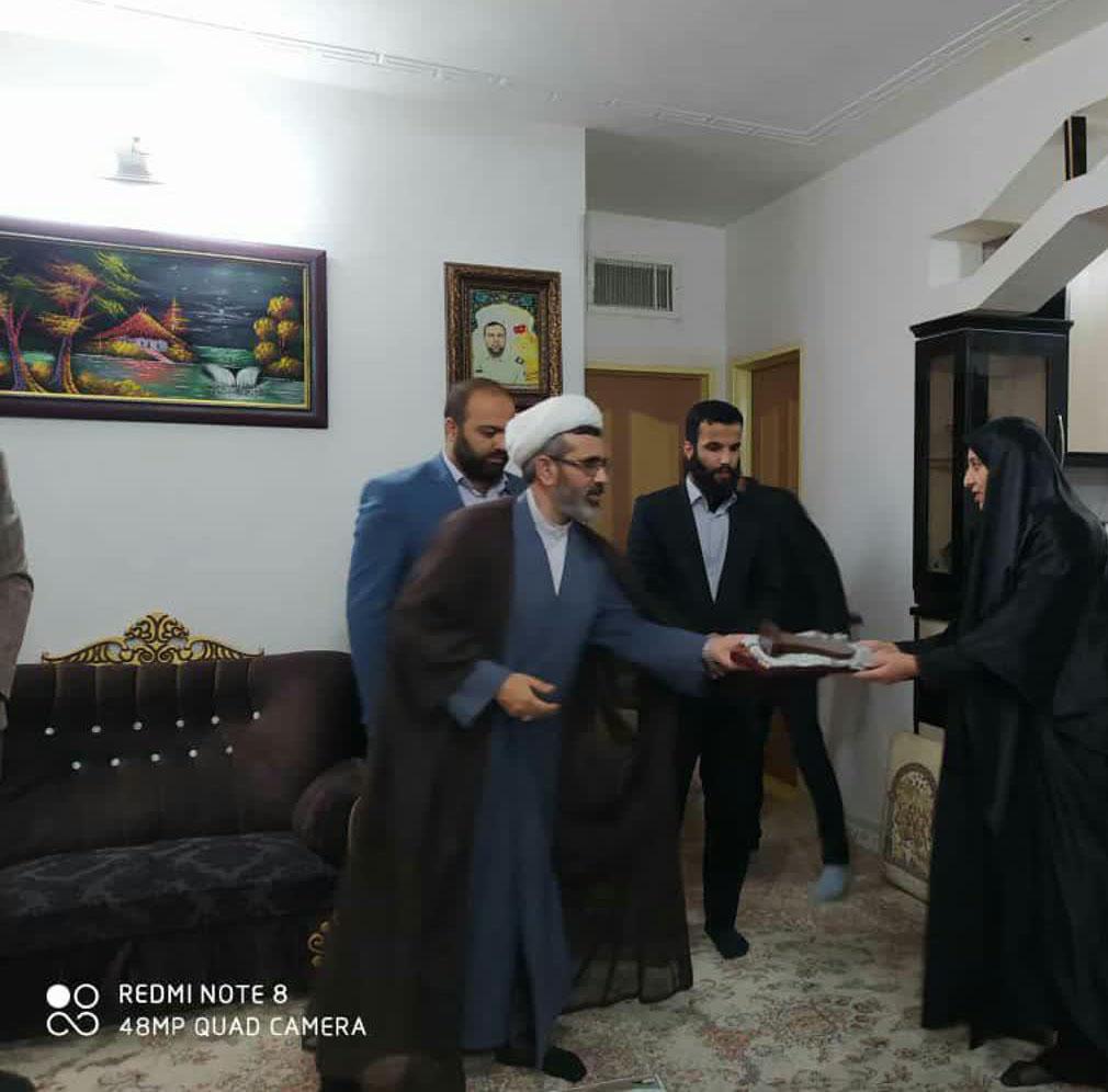 هیئت فرهنگی مذهبی فاطمه الزهرا(س) با خانواده شهید «جابر بیرانوند» دیدار کرد