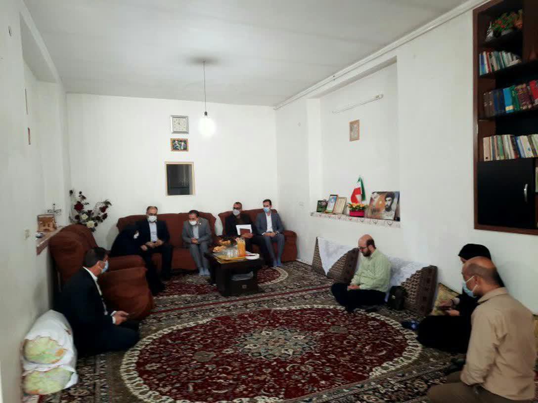 دیدار جمعی از مسئولین با خانواده های معظم شهدای والامقام: جوزی جعفری نژاد(امیری)، علی مروت سگوند و صیدنظر سگوند(هدایتی راد)